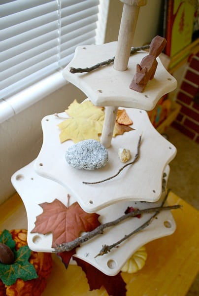 Fall Nature Table: Setting Up a Nature Area in Your Home.~ Buggy and Buddy