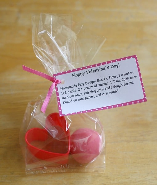 Homemade Valentine for Kids: Play Dough and Cookie Cutter Valentine~ Buggy and Buddy