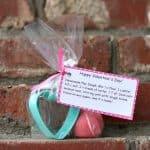 Valentine Ideas: Homemade Playdough & Cookie Cutter Valentine