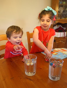 Dancing Raisins Science Experiment~ Buggy and Buddy