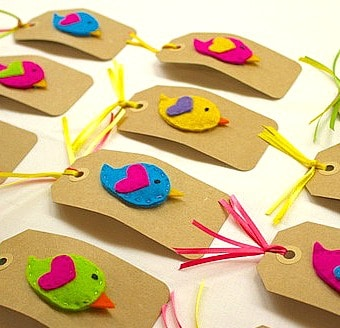 Birdie clips ready to become party favors