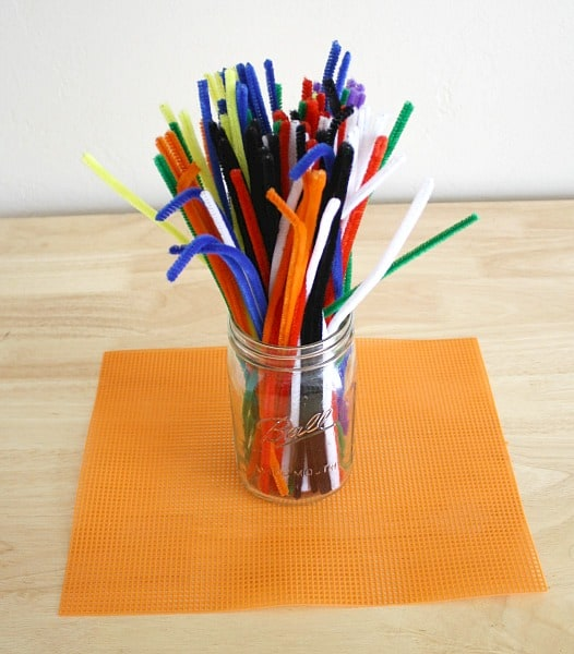 Reusable Invitation to Create 3D: Pipe Cleaners and Plastic Canvas- Great for fine motor practice and to inspire creativity!~ Buggy and Buddy