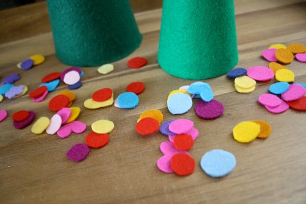 Felt circle ornaments for felt Christmas tree