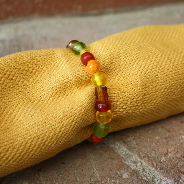 Thanksgiving Crafts for Kids: Beaded Napkin Rings~ Buggy and Buddy