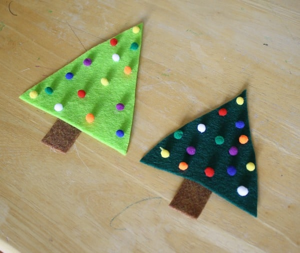 Easy Christmas Crafts for Kids: Felt Christmas Tree Pin~ Buggy and Buddy