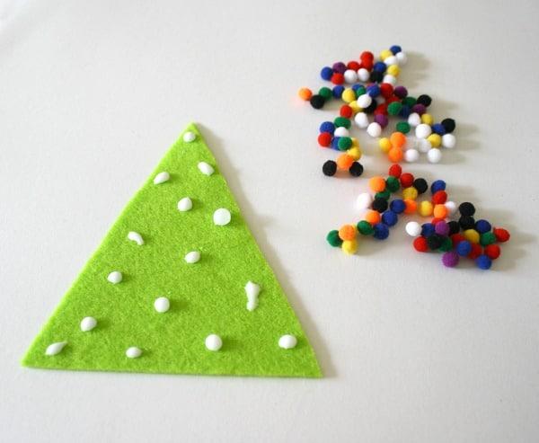 easy christmas crafts for kids felt christmas tree pin buggy and buddy