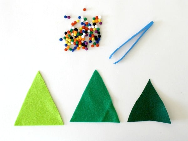Toddler Christmas Tree Craft.Fine Motor Activity For Kids Decorate The Felt Christmas
