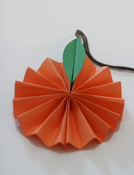 fold leaves