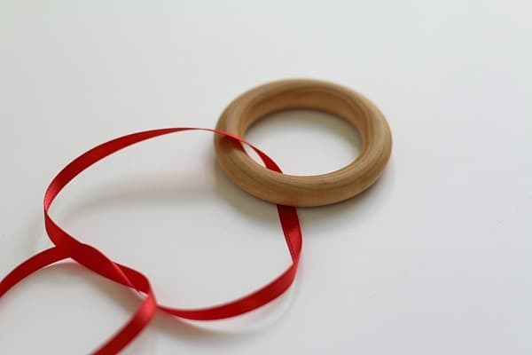 tie ribbon onto ring