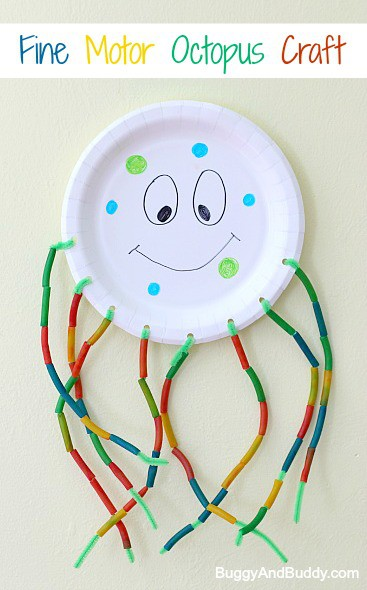 Paper Plate Octopus Craft: Fun fine motor activity for preschoolers and perfect for an ocean or sea life theme! ~ BuggyandBuddy.com