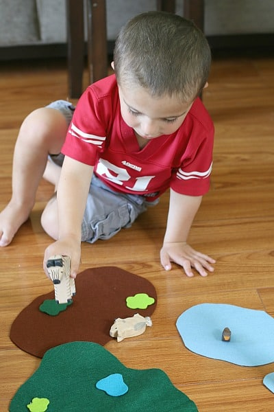 Activity for Toddlers: Use Felt to Encourage Imaginative Play