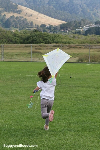 how to make a kite~ BuggyandBuddy.com