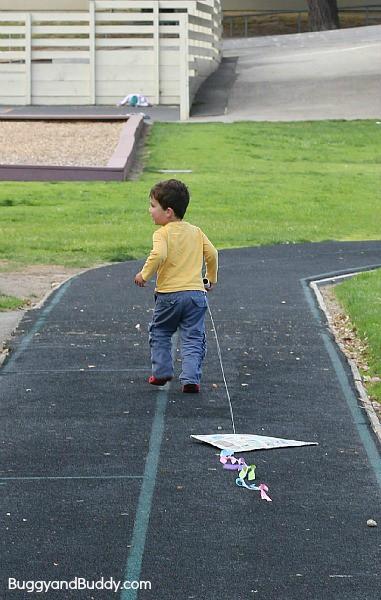 diy kite for kids