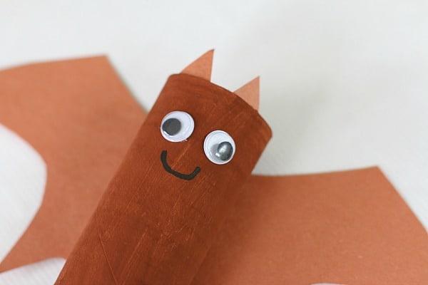 make a bat face onto your hanging bat craft