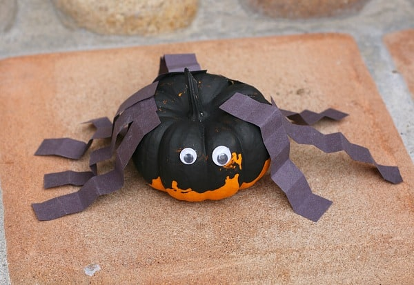Halloween Craft for Preschooler: Spider Pumpkin- BuggyandBuddy.com