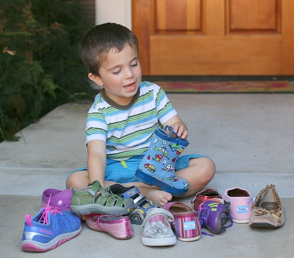 Shoe Sorting Activity for Kids- Pete the Cat: I Love My White Shoes