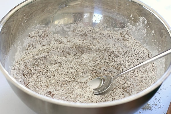 mix the sand and cornstarch