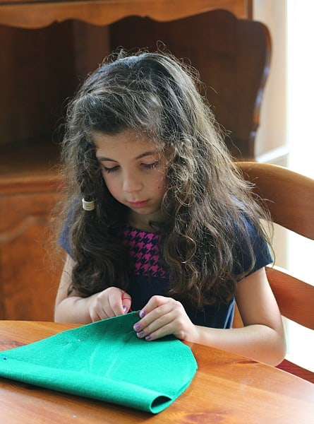 sewing project for kids: felt elf hat