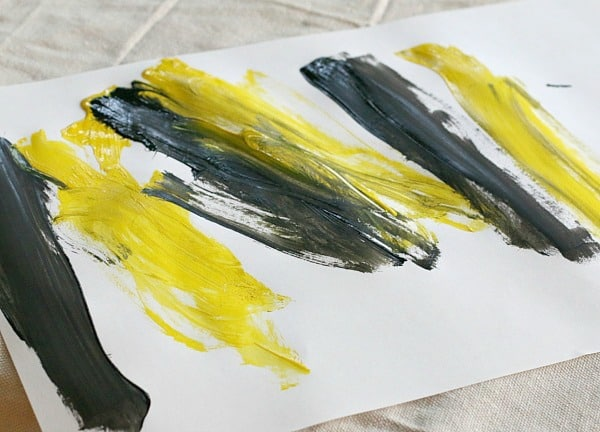paint black and yellow stripes