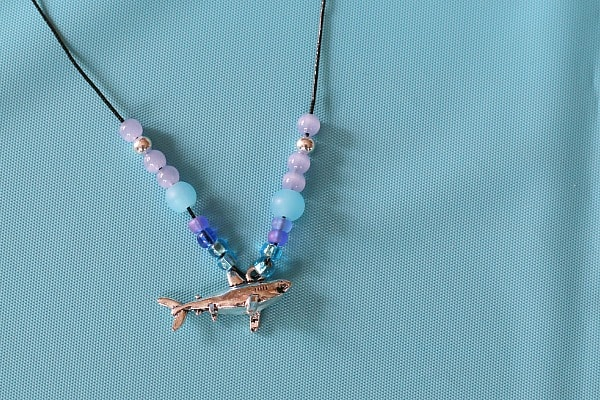 shark necklace craft for kids