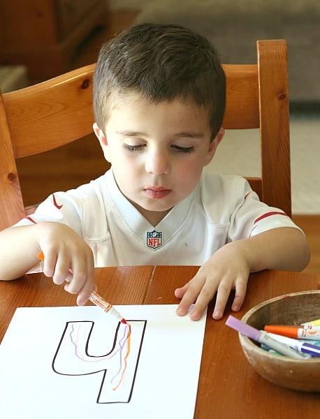 Name Writing Practice for Preschoolers~ BuggyandBuddy.com