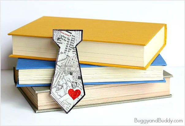 Father's Day Craft for Kids: Homemade Tie Bookmark Using Tear Art (Perfect for preschoolers and kindergarteners) ~ BuggyandBuddy.com