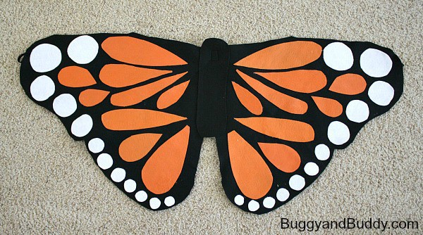 DIY Felt Butterfly Wings- Easy tutorial for homemade butterfly wings (perfect for Halloween or pretend play)