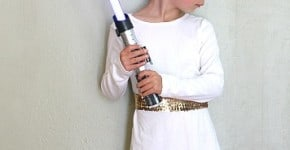 Easy DIY Princess Leia Costume! (Perfect for any Star Wars fan and can be worn on Halloween or for dress up play!) ~ BuggyandBuddy.com