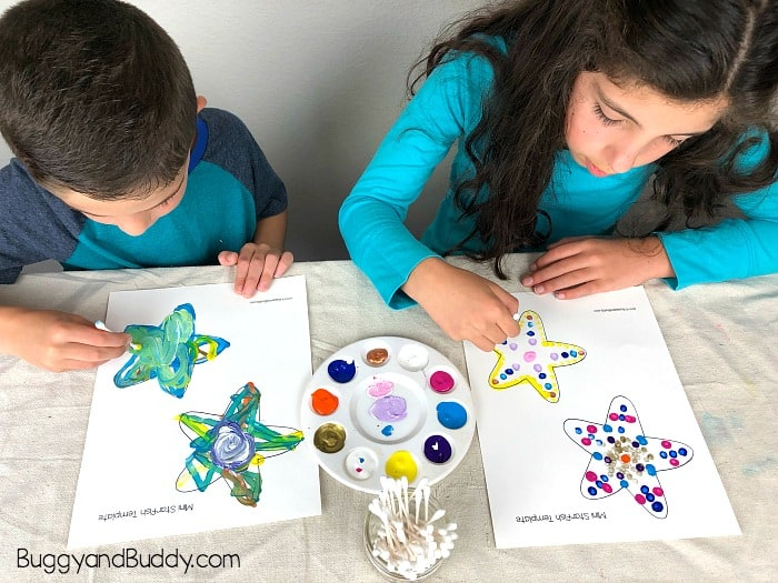 paint your sea stars with tempera paint and cotton swabs (starfish)