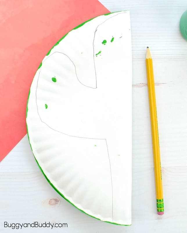 draw a cactus shape onto your paper plate